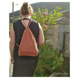 mochila en uso